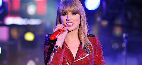 Taylor-Swift-New-Years-Eve-in-NYC-032